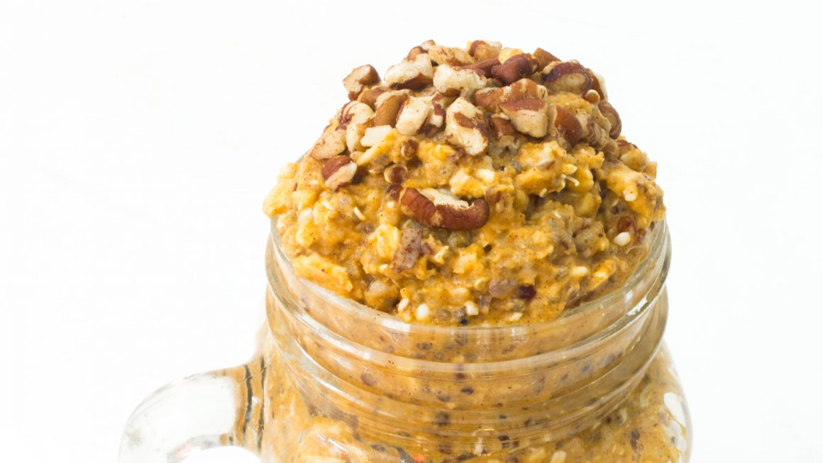 Whole grain pumpkin overnight oats, vegan recipe, vegan overnight oats, vegan pumpkin oats, healthy eating, healthy recipe