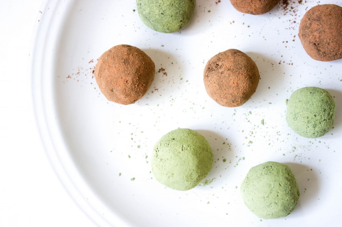 Raw matcha energy balls, energy balls, chocolate chip energy balls, vegan dessert, healthy eating, healthy desert, raw dessert