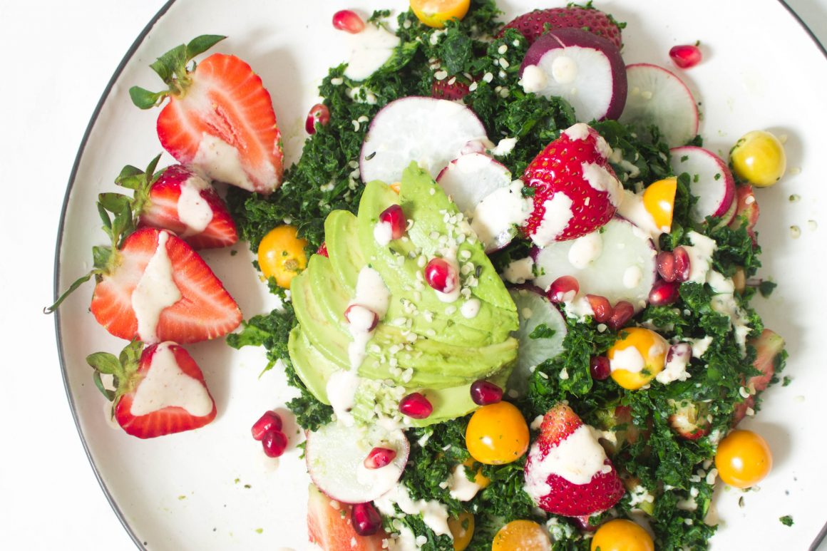 Strawberry salad, vegan salad, raw salad, spinach salad, kale salad, rainbow salad, healthy salad, healthy eating, vegan salad, vegan dinner, vegan food
