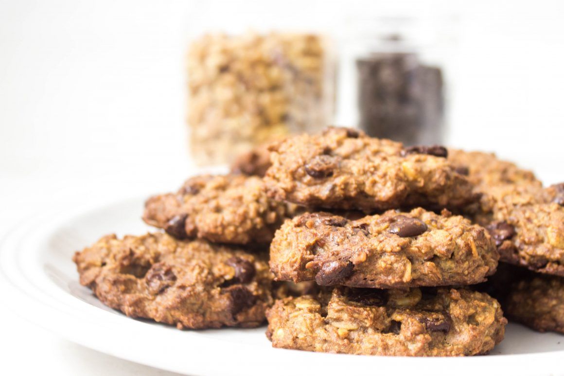 vegan banana oatmeal cookies, vegan cookies, healthy cookies, gluten free chocolate chip cookies, best gluten free cookies, best healthy cookies, best, best vegan oatmeal cookies