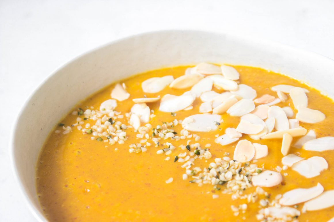 Immune Boosting Carrot-Ginger Soup, carrot soup, winter soup, healthy soup, plant based carrot soup, plant based soup, vegan soup, gluten free carrot soup